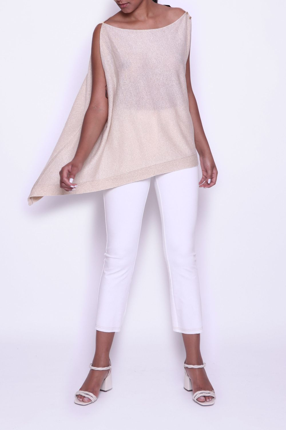 TR-BLUSA-F-BOTOES-BICO-OURO