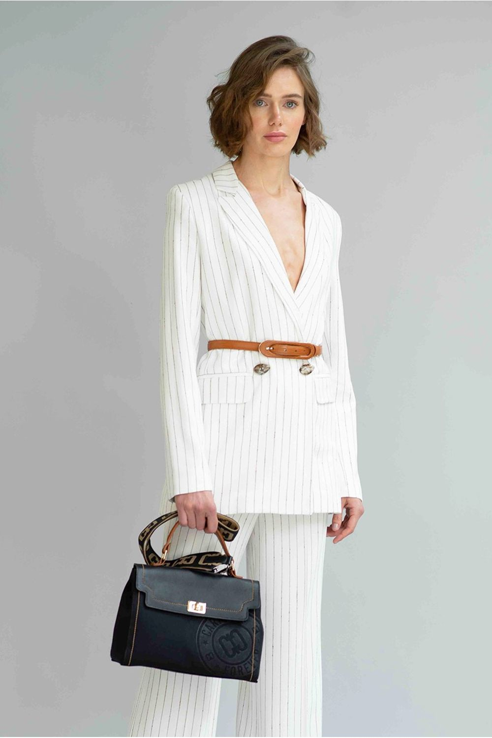 CASACO-BUCLE-OFF-WHITE-F956-FRENTE